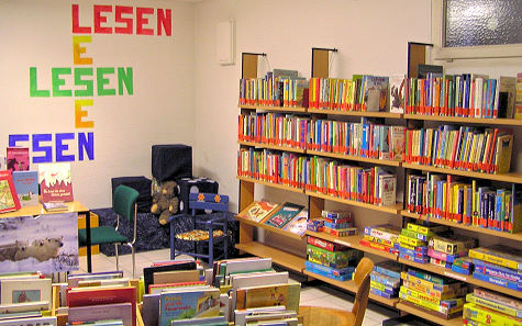 Blick in die Kinder- und Jugendabteilung